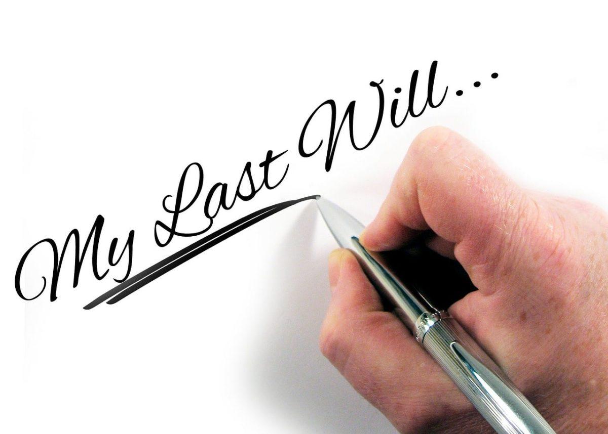"""遺言作成のイメージ。Pixabayより(<a href=""""https://pixabay.com/photos/hand-write-pen-paper-letters-will-229777/"""" target=""""_blank"""" rel=""""noopener"""">リンク</a>)"""